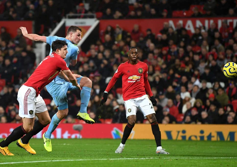 Ferdinand Kritik Performa Maguire Kontra Burnley